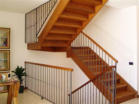 corrimano per scale interne in legno scale per interni in ferro battuto e legno iv51