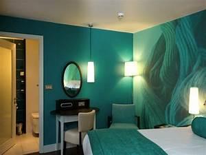 Idée Peinture Chambre Adulte : une id e peinture de chambre adulte pour l 39 ambiance ~ Preciouscoupons.com Idées de Décoration