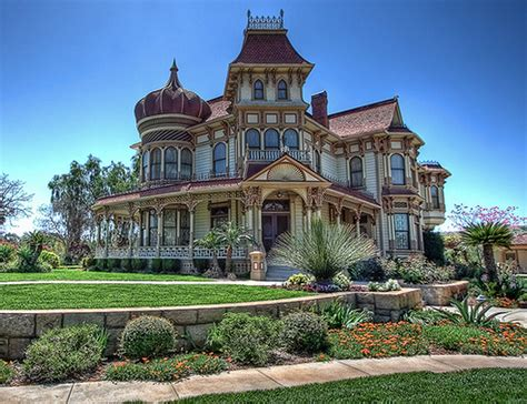 mansions  style homes   rich   real estate blog