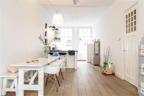 table cuisine en pin maison deco scabdinave amsterdam table salle a manger deco