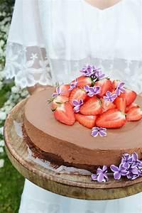 Torte Mit Erdbeeren : s e liebeserkl rung schokomousse torte mit erdbeeren ~ Lizthompson.info Haus und Dekorationen
