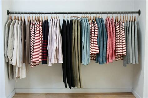 Retail Simple Metal Rod For Hanging Clothes