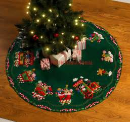 bucilla candy express train 43 quot felt christmas tree skirt kit 86158 snowman ebay