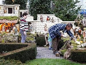 Garten Xxl De : fotos oberwindener baut xxl weihnachtskrippe im garten winden im elztal fotogalerien ~ Bigdaddyawards.com Haus und Dekorationen