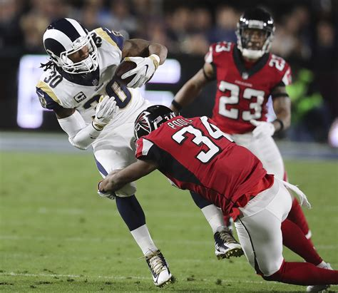 experience pays   falcons  playoff win  rams
