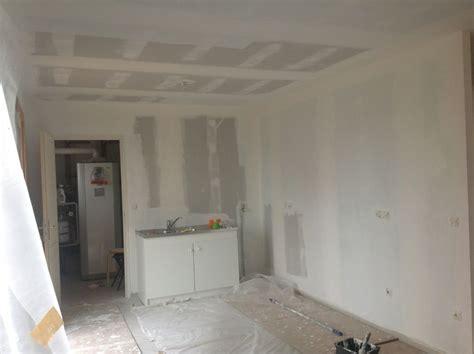 peinture speciale cuisine peinture sous couche presque fini un toit pour la vie