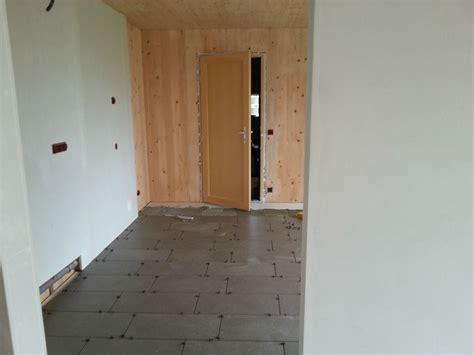 peinture carrelage sol cuisine plomberie ponçage carrelage peinture sol etc on commence quand la nouvelle maison