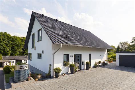 Moderne Häuser Ohne Keller by Modell Babelsberg Exklusives Einfamilienhaus In Hanglage