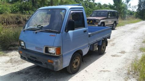 Hijet Mini Truck by Daihatsu Hijet Mini Truck 4wd Road Low