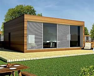 Case moderne in legno e vetro decorazioni per la casa