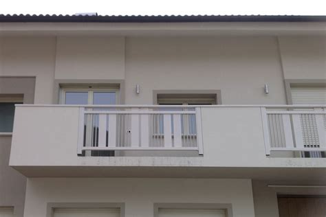 ringhiera per terrazzo parapetti per poggioli in alluminio