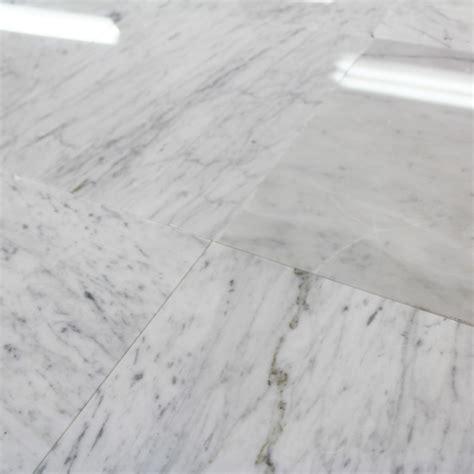carrelage marbre blanc carrelage 100 marbre poli blanc carrare lucido piccolo