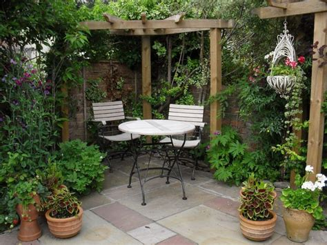 small courtyard garden design elegance small courtyard gardens design corner pergola