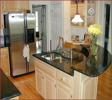 kitchen layout ideas for small kitchens home design ideas - Small Kitchen Layout With Island