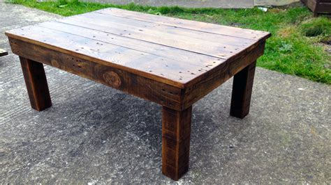 coffee table made out of pallet wood bearwoodwork how to make a coffee table from reclaimed