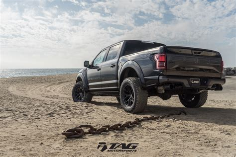 McLaren Life - A FORD RAPTOR READY TO DISRUPT SOME BLACK ...