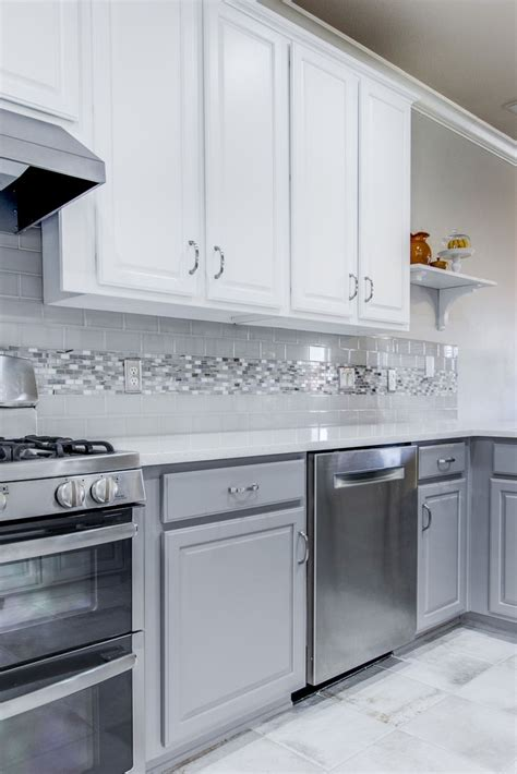 kitchen backsplash ideas for gray cabinets 17 best ideas about grey backsplash on kitchen