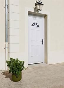 les portes dentree en pvc With porte d entrée pvc avec fenestron pvc