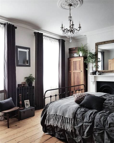 Gorgeous Gray And White Bedrooms by Best 25 White Grey Bedrooms Ideas On Grey