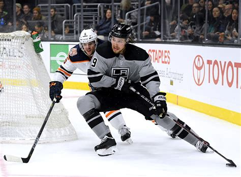 Adrian kempe fights sam lafferty after a crushing hit on blake lizotte. Los Angeles Kings Re-Sign Adrian Kempe - Last Word on Hockey