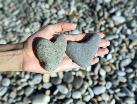 Dos corazones de piedra foto de archivo Imagen de hermoso