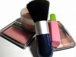 Thestylemongers  Make Up Products Wallpaper