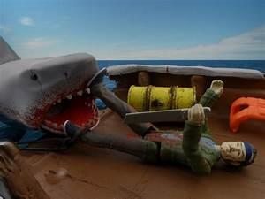 Jaws Reaction Figures Final Battle Shark & Quint Review ...