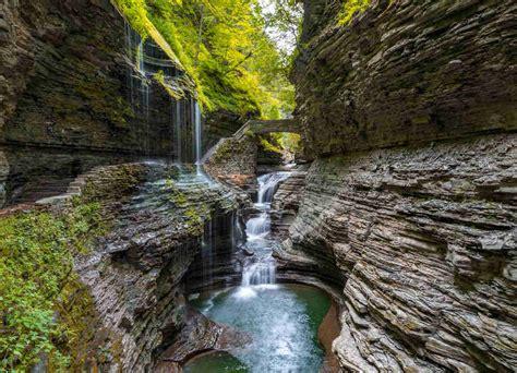 beautiful places  visit  upstate  york thrillist