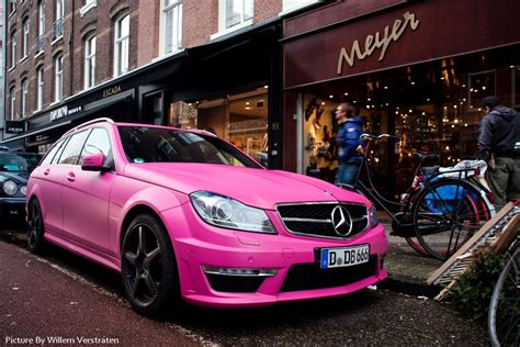 Mercedes-benz C63t Amg Pink