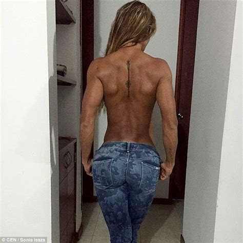 Sonia Isaza With Ripped Six Pack Gets Half A Million