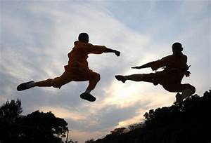 Monks perform Shaolin Kungfu in Quanzhou -- china.org.cn