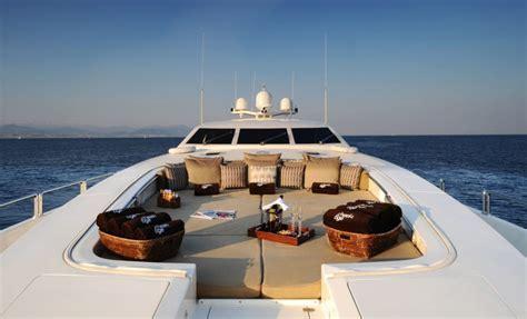 "Stylish Luxury Yacht ""Cheeky Tiger""   iDesignArch"