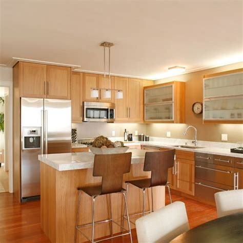 maple finish kitchen cabinets if i did white backsplash it would look like this 7349