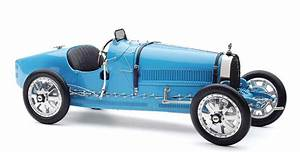 Bugatti Type 35 Prix : cmc bugatti type 35 grand prix 1924 cmc modelcars ~ Medecine-chirurgie-esthetiques.com Avis de Voitures