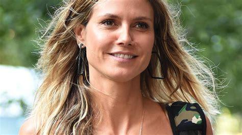 Heidi Klum Strahlt Der Seite Von Flavio Briatore