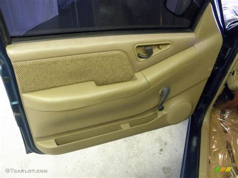 handel ls painted 1997 chevrolet s10 ls extended cab beige door panel photo
