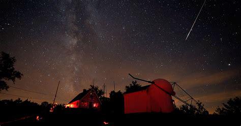 perseid meteor shower  light  night sky  weekend