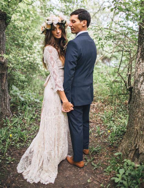Backyard Wedding Dress Ideas by Bohemian Backyard Wedding In Milwaukee Rea Danny