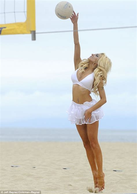 hot pic courtney stodden shows off deep cleavage in white