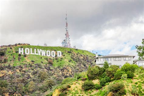 15 Selfie-Worthy and Famous Sights in Los Angeles