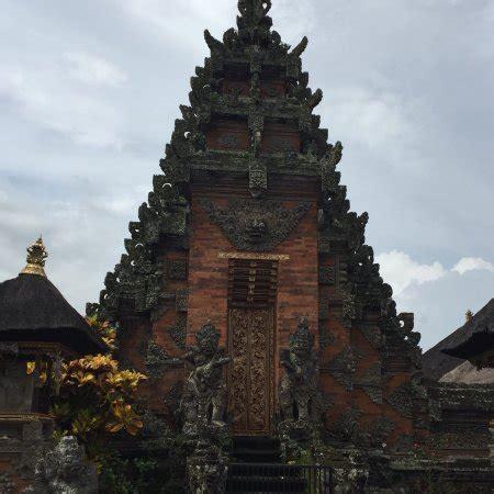 puseh batuan temple sukawati
