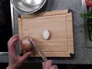 Zwiebel Schneiden Gerät : jojos kochrezepte zwiebeln schneiden mit fotoanleitung und videoanleitung ~ Orissabook.com Haus und Dekorationen