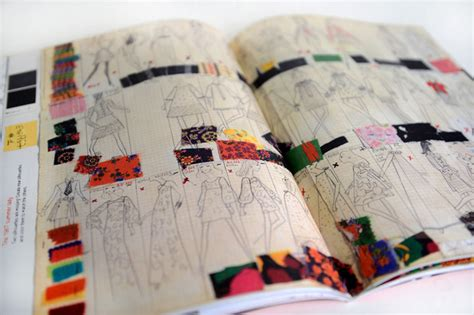 Prêt-à-porter Coloring And Activity Book