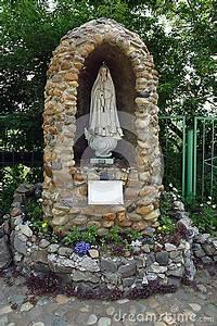 religious statue grotto - Google Search   Mary Garden ...
