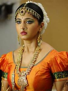 Anushka Shetty latest photos, Traditional Look - Hawk Search