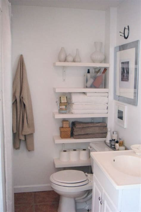 Bathroom Shelving Ideas For Small Spaces by 25 Best Ideas About Small Space Bathroom On