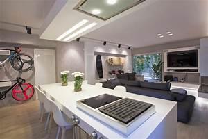 Wohnzimmer Mit Küche Ideen : modernes wohnzimmer mit kochinsel wei freshouse ~ Markanthonyermac.com Haus und Dekorationen