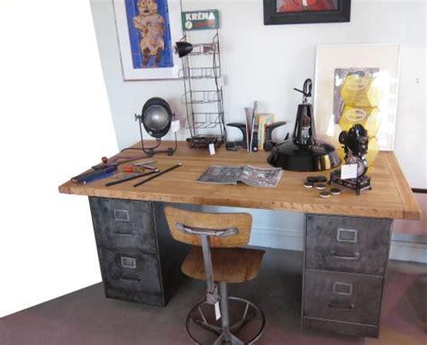 caisson bureau industriel bureau caisson a roulettes hamdesign by home et matière