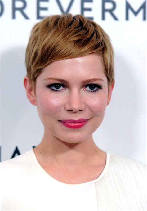 40 Short Haircuts For <a href=