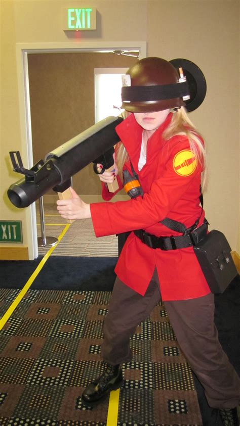 Fileteam Fortress 2 Soldier Cosplayer At Fanimecon 2010